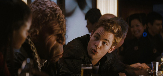 star_trek_james_kirk-chris-pine-at-bar