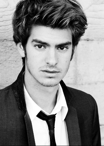 Andrew Garfield ready to charm you as Luke Rykell.